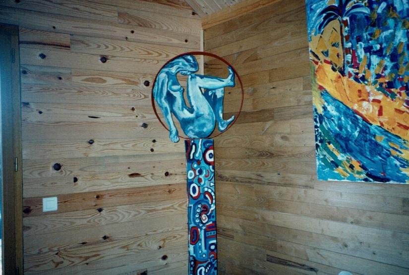 Chris Le Guen artiste peintre et sculptrice a créé Cercle à partir de peuplier