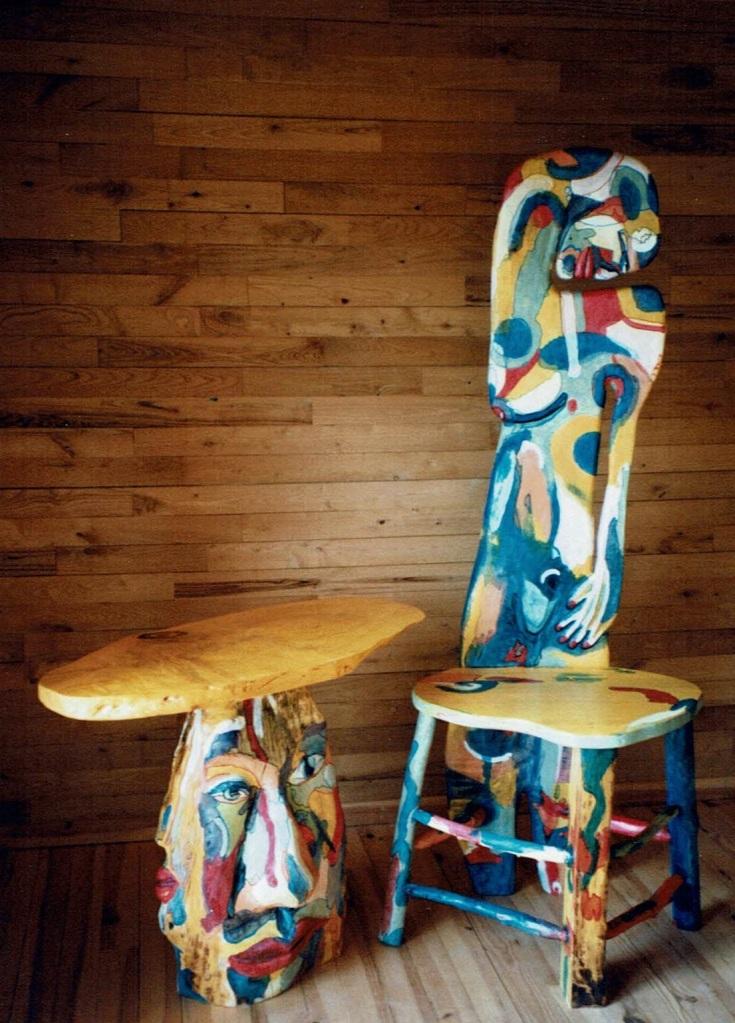 """La Table et la Chaise """"Susan Lady"""" a été créé par Chris Le Guen artiste peintre et sculptrice"""