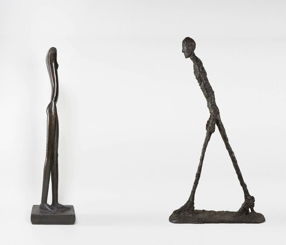 Giacometti_femme_qui_marche_1_et_homme_qui_marche_1_1960___succession_Giacometti
