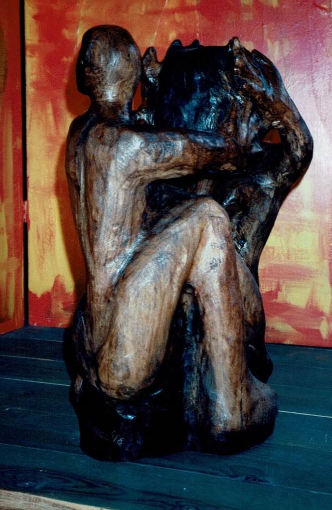 Plus Haut est de l'Orme ciré par Chris Le Guen artiste peintre et sculptrice